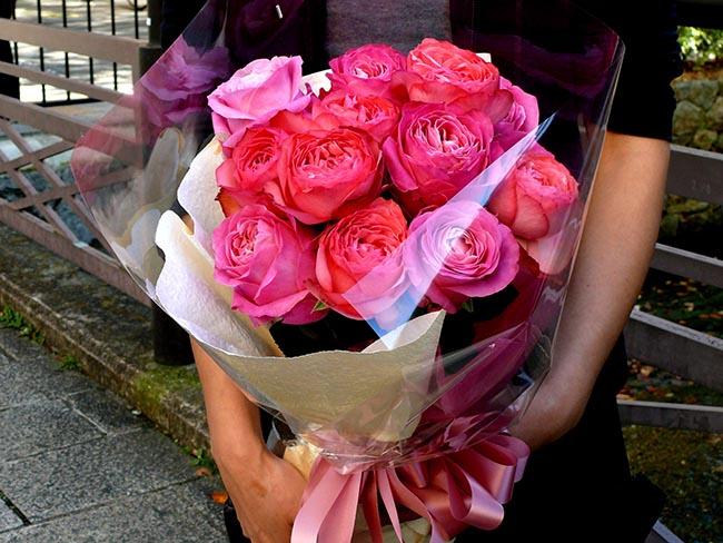 プロポーズにオススメ!丈長ダーズンローズの花束8500円